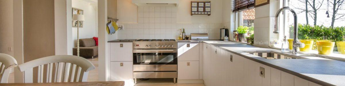 Miten sisustaa pieni keittiö? Katso vinkit!