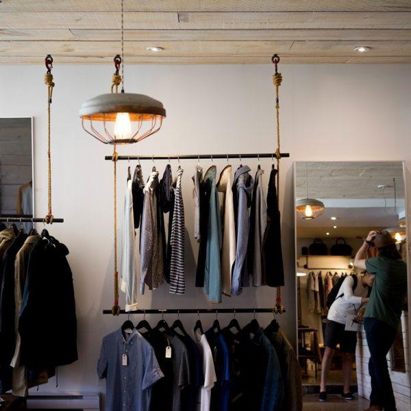 Miten säästää vaatteiden ostamisessa & tilaamisessa: 7+1 vinkkiä