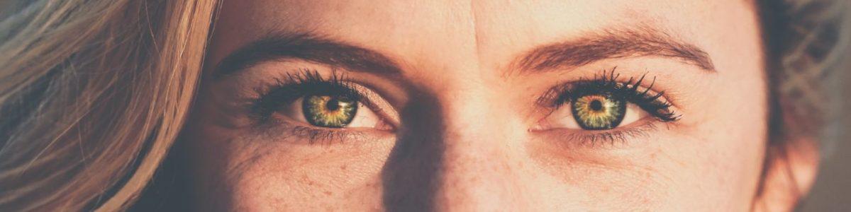 Piilolinssien lyhenteet – linssipaketin merkinnät