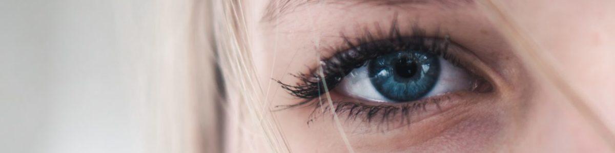 Miten piilolinssit laitetaan silmään? Katso video-ohjeet